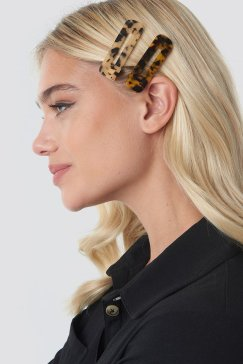 nakd_double_pack_squared_hair_clips_1015-001675-2283_01l